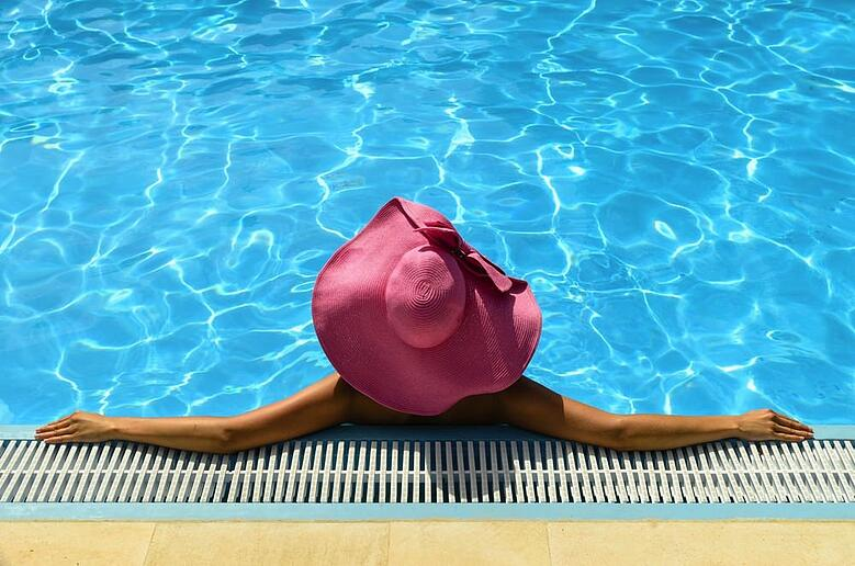 pros-and-cons-of-a-solar-pool-heater