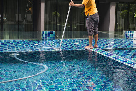 how-to-clean-a-pool-4-easy-steps