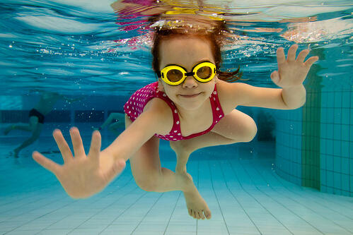 when-to-start-swimming-lessons-for-children